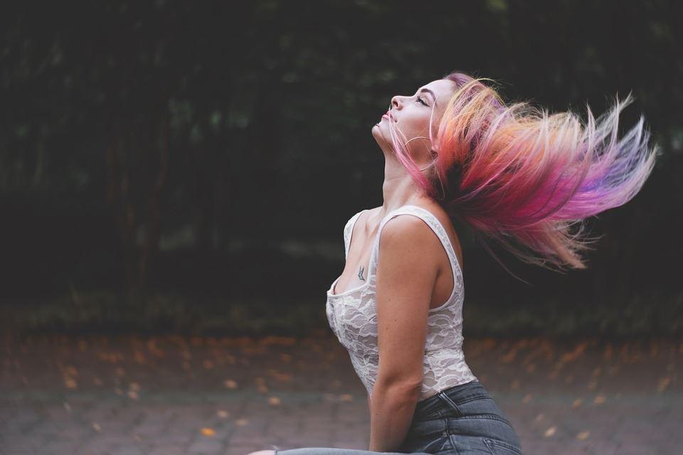 cabelos coloridos como cuidar