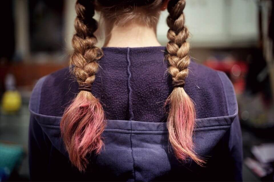 cabelo pontas coloridas