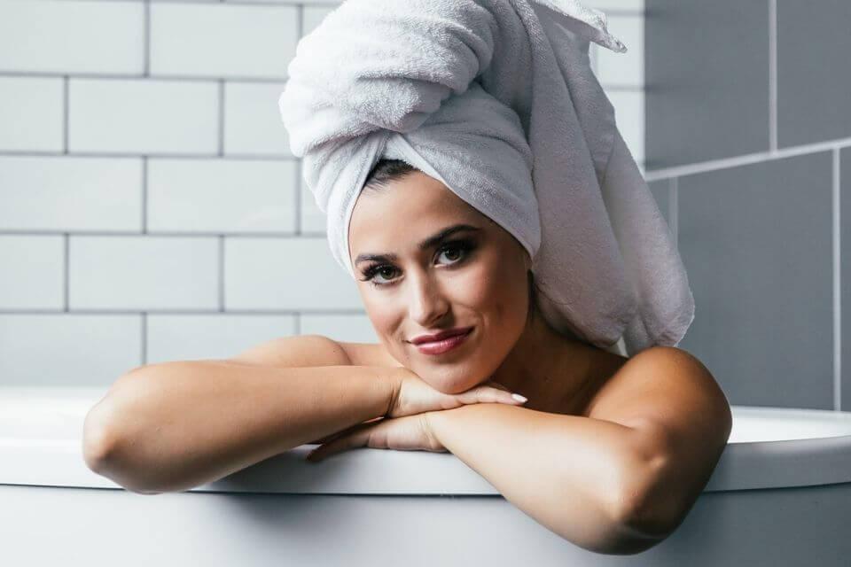 toalha absorve a umidade